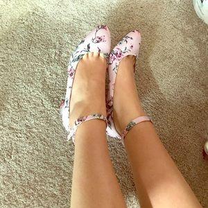 Justfab pink floral kitten heels